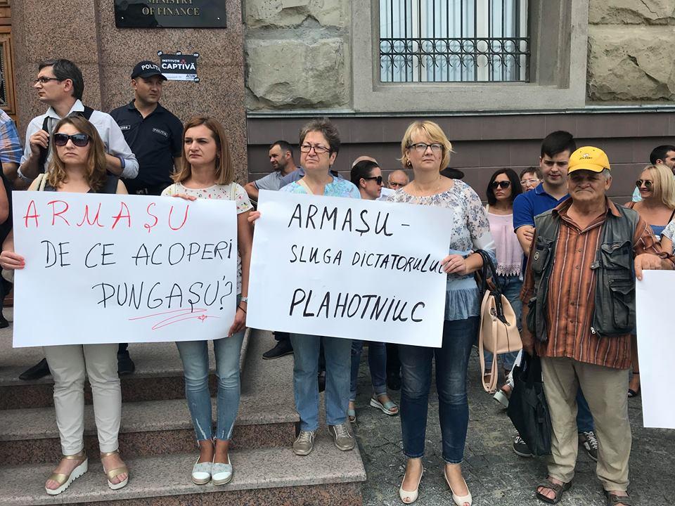 protest Finanțe