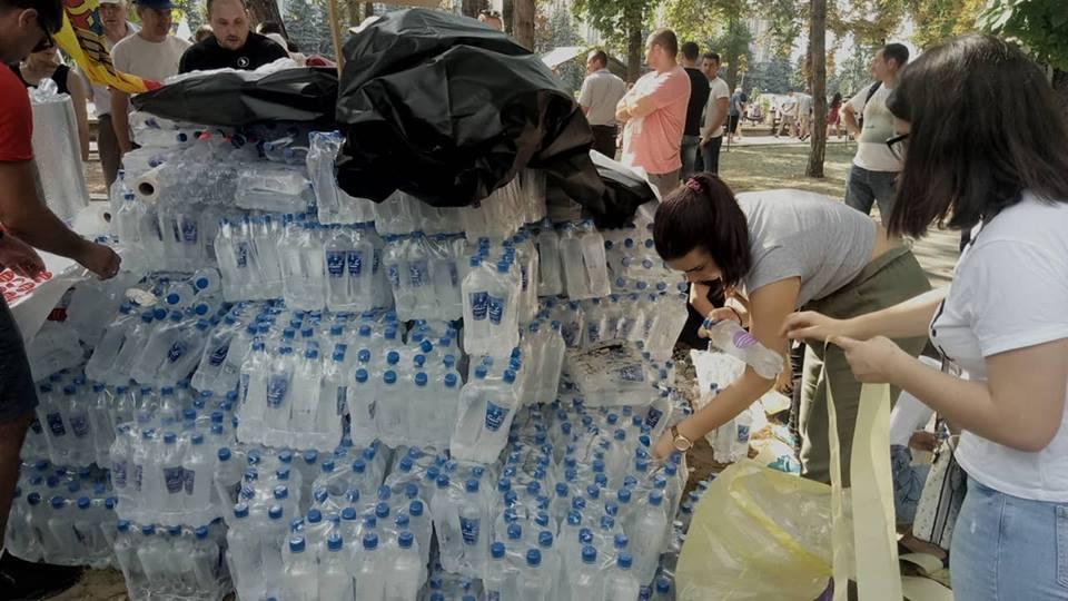 apă protest2
