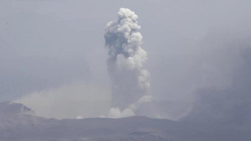 Alertă în Filipine, unde un vulcan a început să erupă: Sute de mii de oameni, în pericol