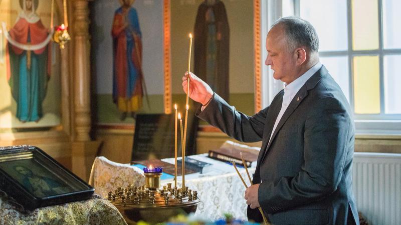 """Dodon a luat apă-n gură: """"Unicul lider de stat creștin care nu a ..."""